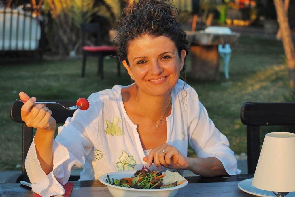 Diyetisyen Nil Şahin Gürhan'dan Sağlıklı ve Hızlı Zayıflama Formülü
