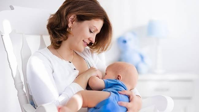 Bebeğiniz İçin İlk Besin Anne Sütü
